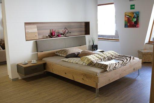 Защо да заложим на луксозно спално обзавеждане за дома?