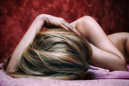 Омръзнало Ви е да се занимавате с премахването на досадните косми по Вашето тяло? Заложете на лазерната епилация и забравете за това завинаги!