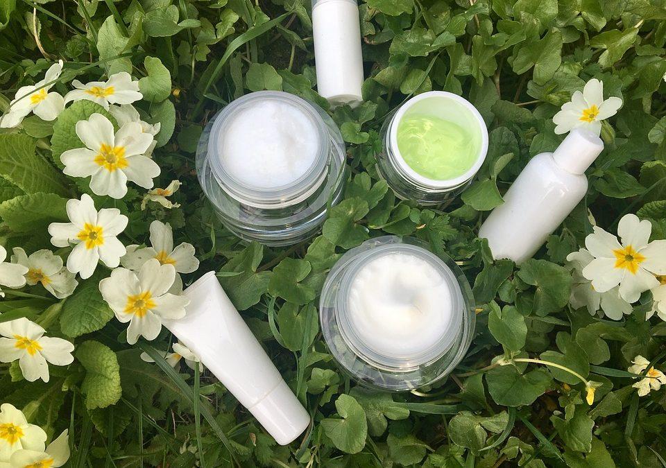 Серумите за лице – съществена грижа за здрава и млада кожа